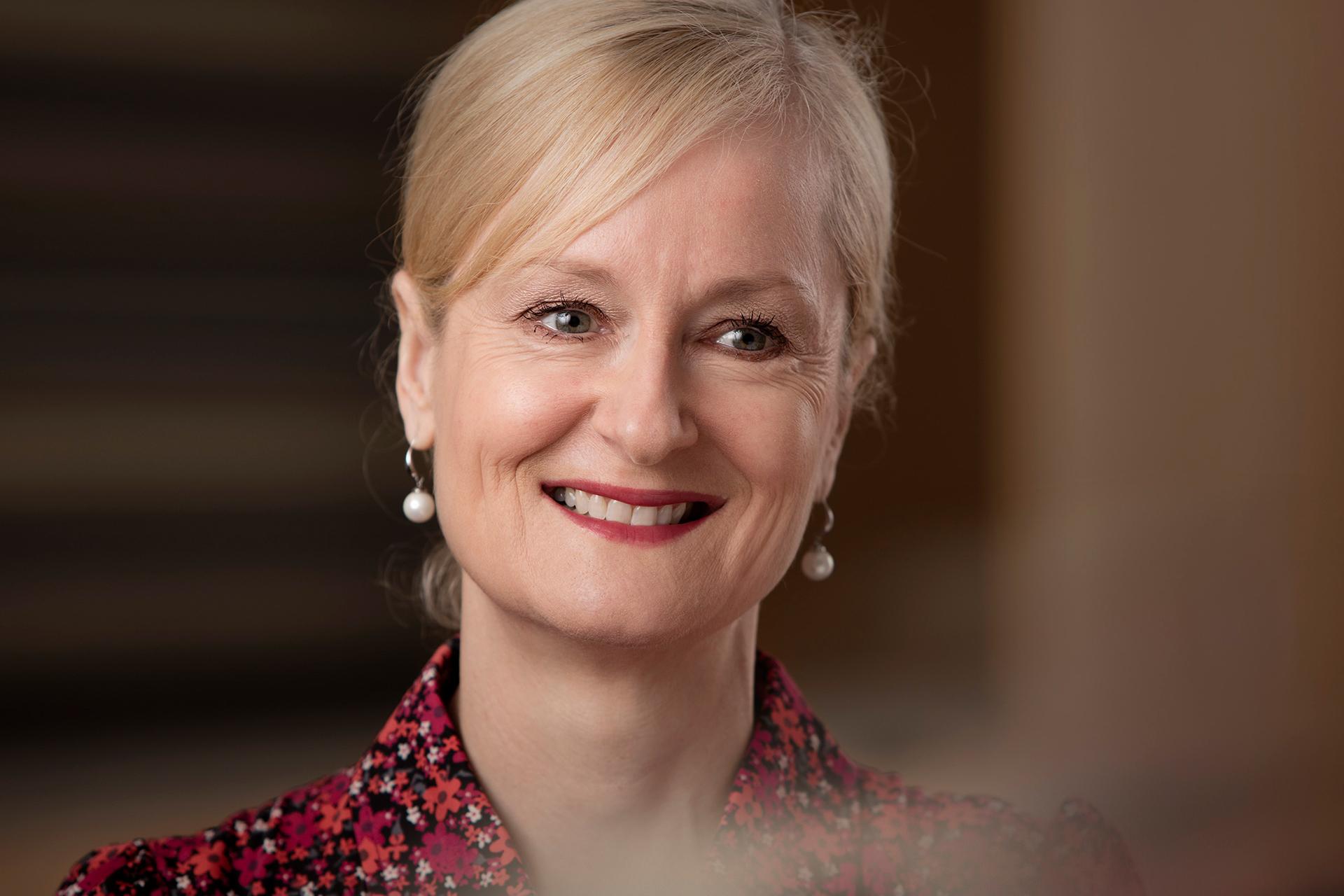 Helen Macfarlane Headshot
